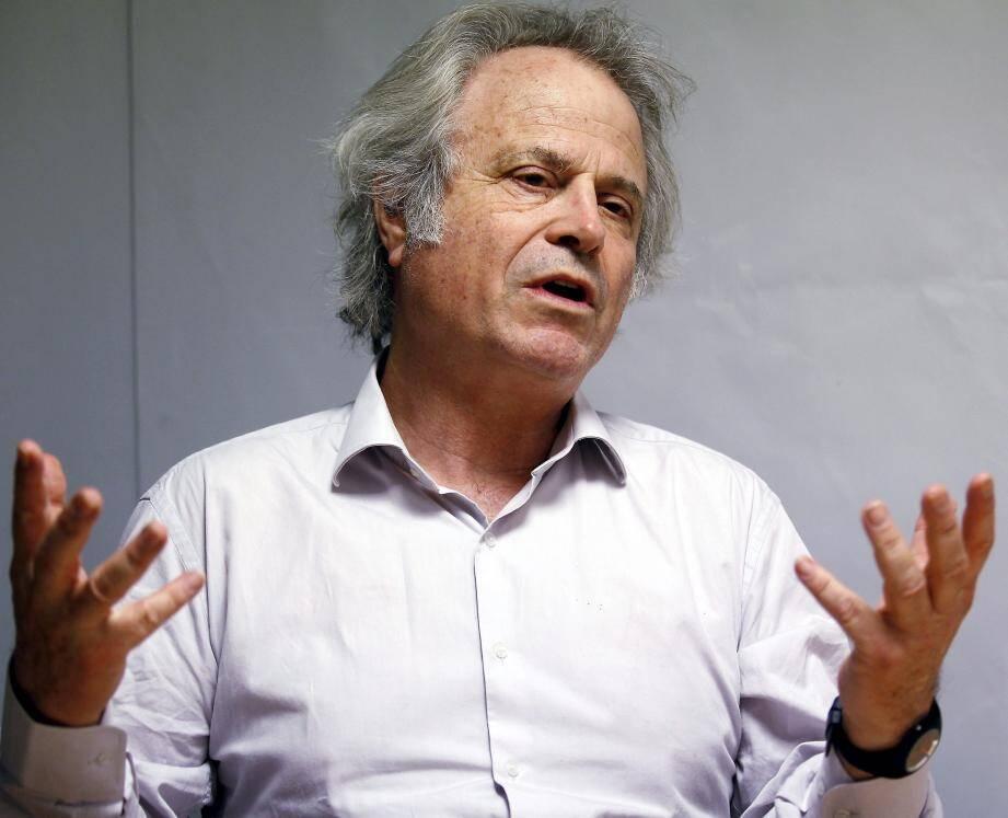Le journaliste, éditorialiste et romancier Frantz-Olivier Giesbert sera le parrain du salon 2017, qui débute ce soir.