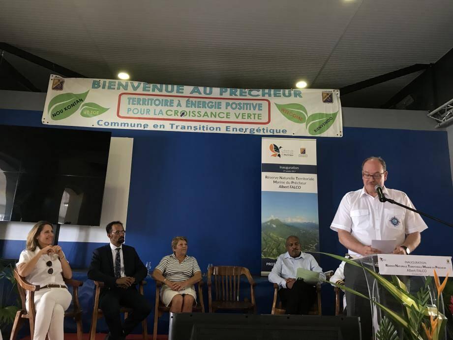 Le prince Albert II accueilli hier au Prêcheur, commune Nord Caraïbe de la Martinique.(DR)
