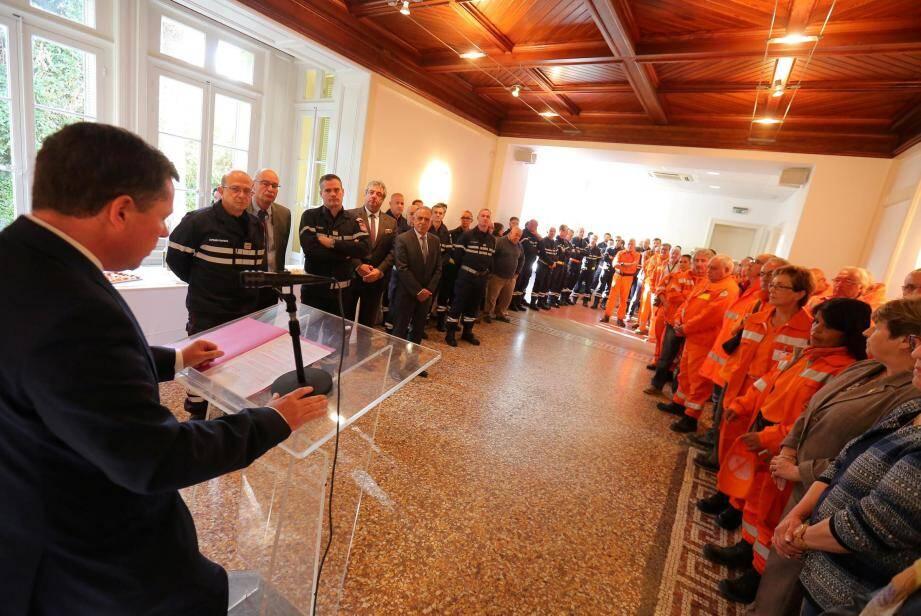 à la mairie des Asphodèles, sapeurs-pompiers et membres du CCFF ont été chaleureusement félicités.