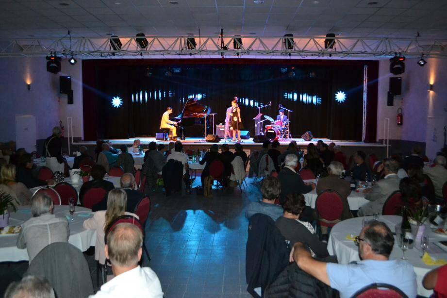 Un peu plus de cent personnes ont profité samedi soir du concert de l'excellent quartet Marie-Laure Célisse et les Frenchy's.