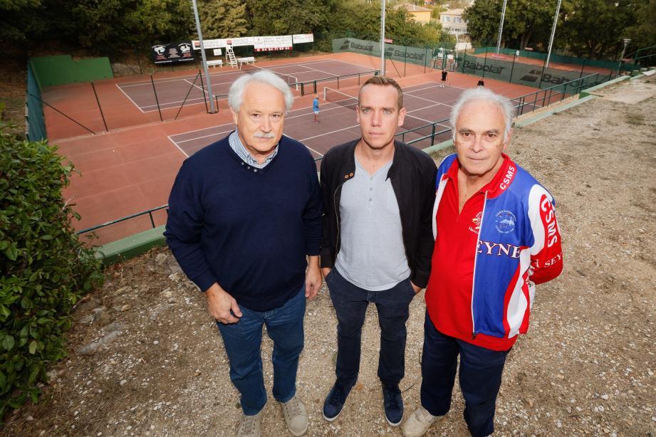 Les échanges devraient reprendre entre la municipalité et le CSMS, ici représenté par Philippe Martinenq, Maxime Barajas et Christian Abran (de gauche à droite).