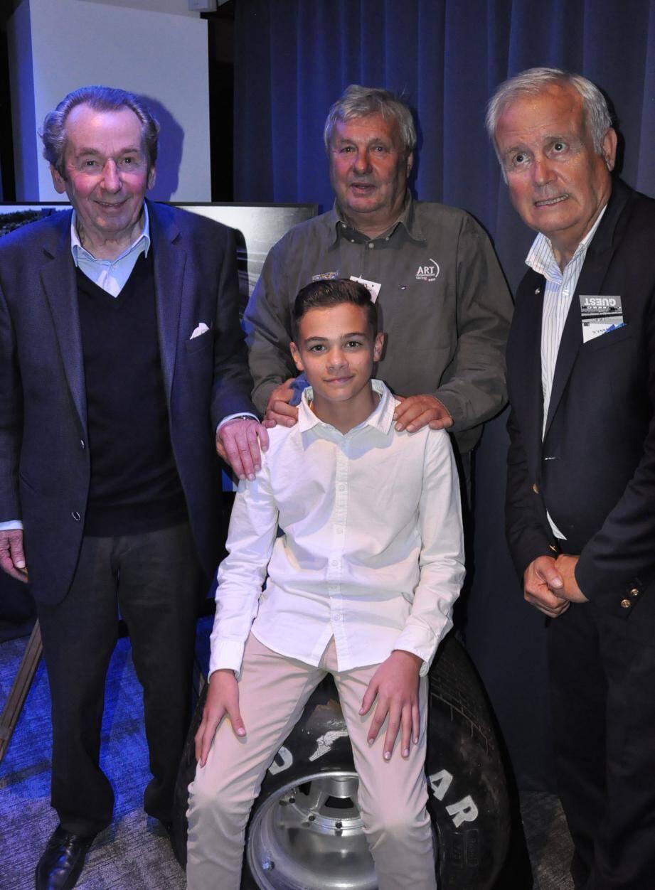 François Mazet, Jean-Pierre Jarier et Patrick Tambay, ont encouragé le jeune Enzo dans sa progression de pilote.