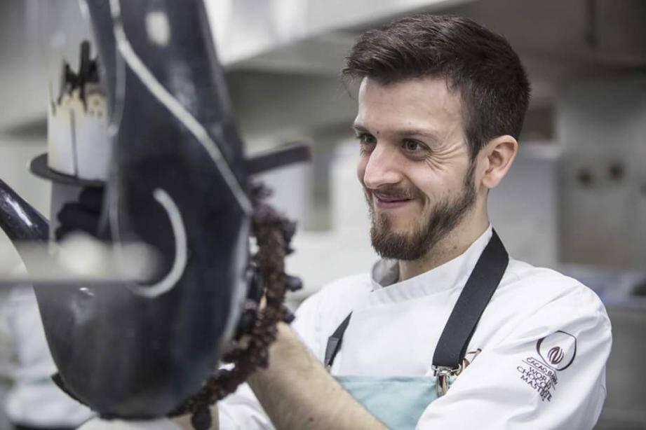 Quentin Béchard au travail, lors de la finale britannique du World Chocolate Master, le 9 octobre dernier.