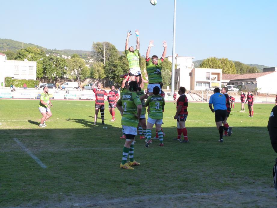 Les rugbymen dracénois ont pris quatre précieux points à Salon.