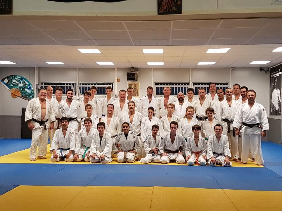 Les trois clubs historiques de judo de Grasse se sont entraînés ensemble. Une première depuis 40 ans !