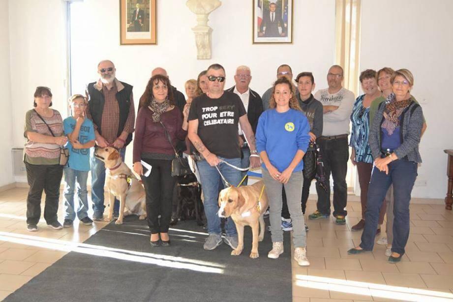 Bernard Scaillierez sera désormais guidé par Jepp, labrador croisé golden. Un duo supervisé par Laetitia Gatineau, éducatrice au sein de l'association des chiens guides d'aveugles Paca.