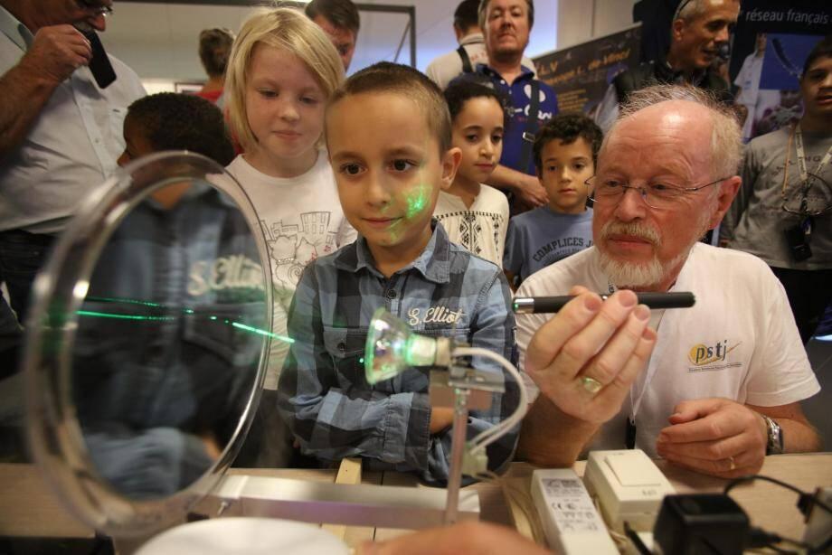 La science en fête au Palais des congrès de Juan-les-Pins ce week-end.