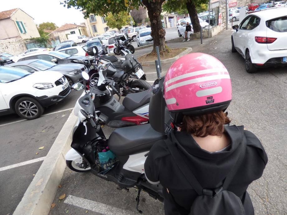 Les abords du parking vençois Marie-Antoinette