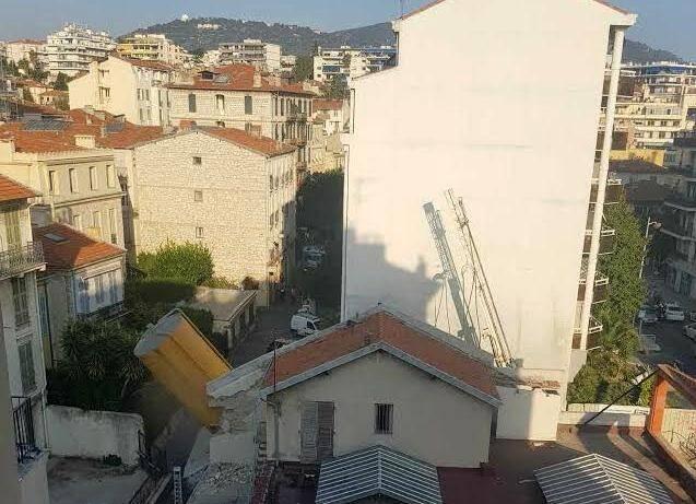 Une cuve de 60 tonnes de béton menace de s'effondrer à Nice.