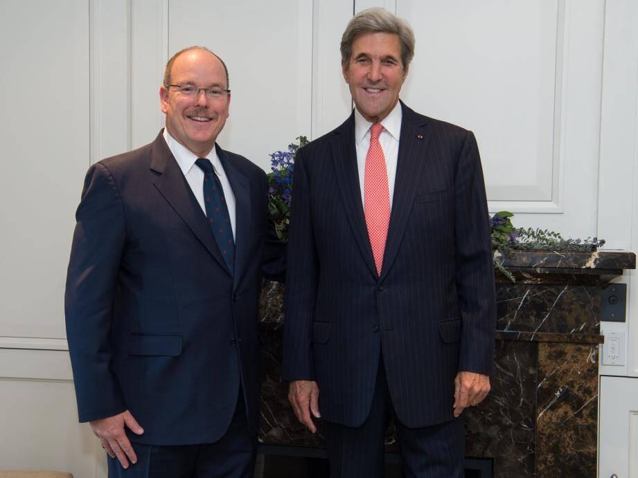Le prince Albert II et John Kerry.