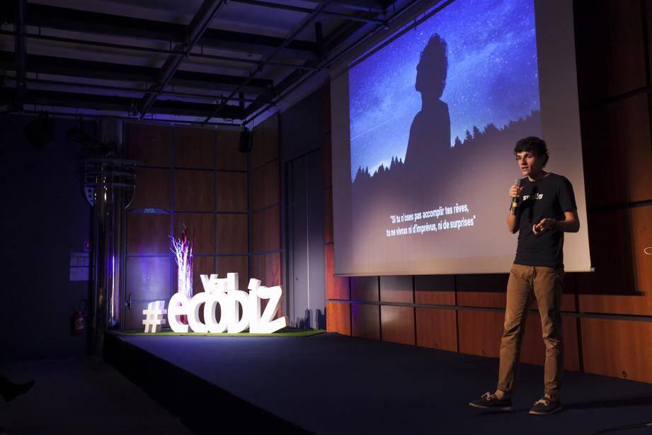 Jonathan Noble, dirigeant et cofondateur de Swello (ClockTweets) fait régulièrement des interventions publiques dans lesquelles il partage son expérience. Ici à Var Ecobiz.