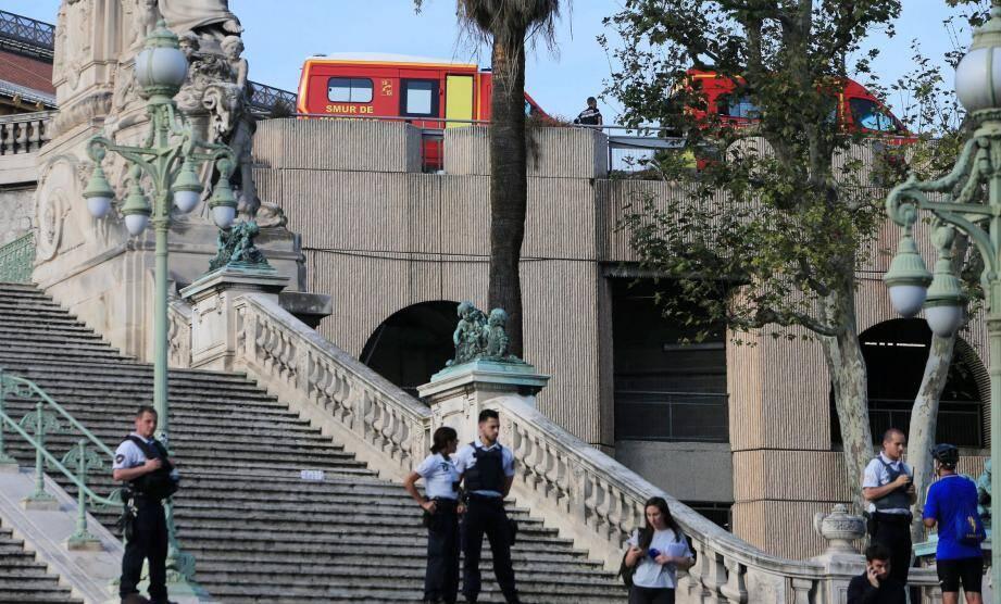 Le groupe Etat islamique a revendiqué à l'attaque survenue sur le parvis de la gare Saint-Charles à Marseille, dimanche 1er octobre.