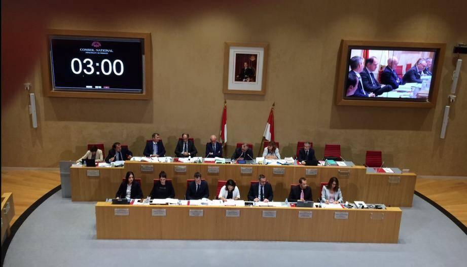 Le gouvernement monégasque au Conseil national.