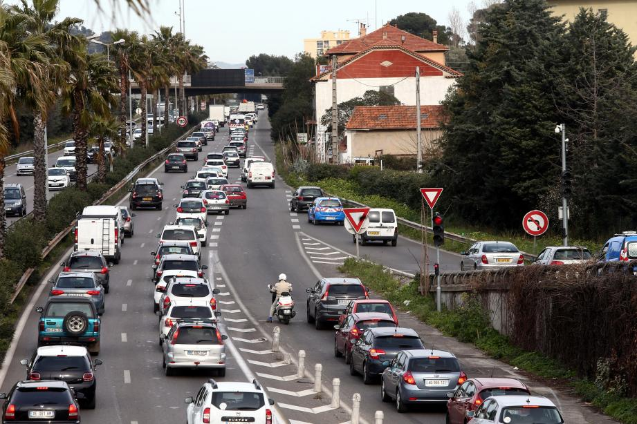 L'A57 aux entrées de Toulon.
