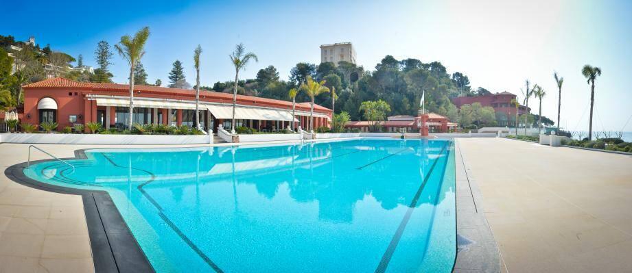 La piscine Monte Carlo Beach.