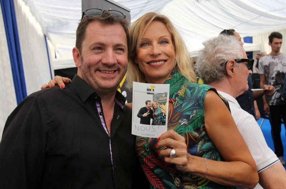 La comédienne Rebecca Hampton et Laurent Orry pendant le Festival des Héros de la TV.