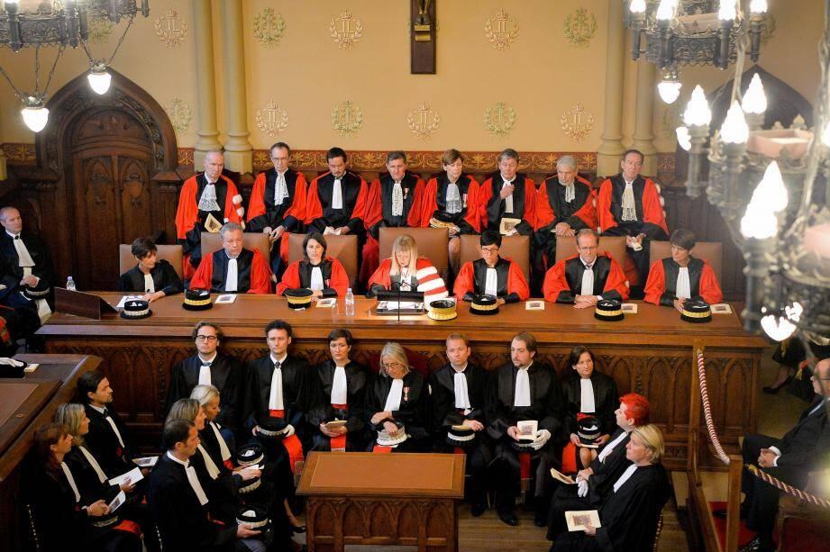 Brigitte Grinda-Gambarini, premier président de la cours d'appel, a présidé l'audience en présente de tous les magistrats