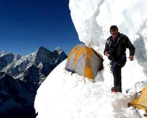 Jean-Marc Nowak a fait beaucoup d'expéditions en Himalaya. Mais l'ascension par l'arête sud-ouest de l'Ama Dablam est pour lui une première.