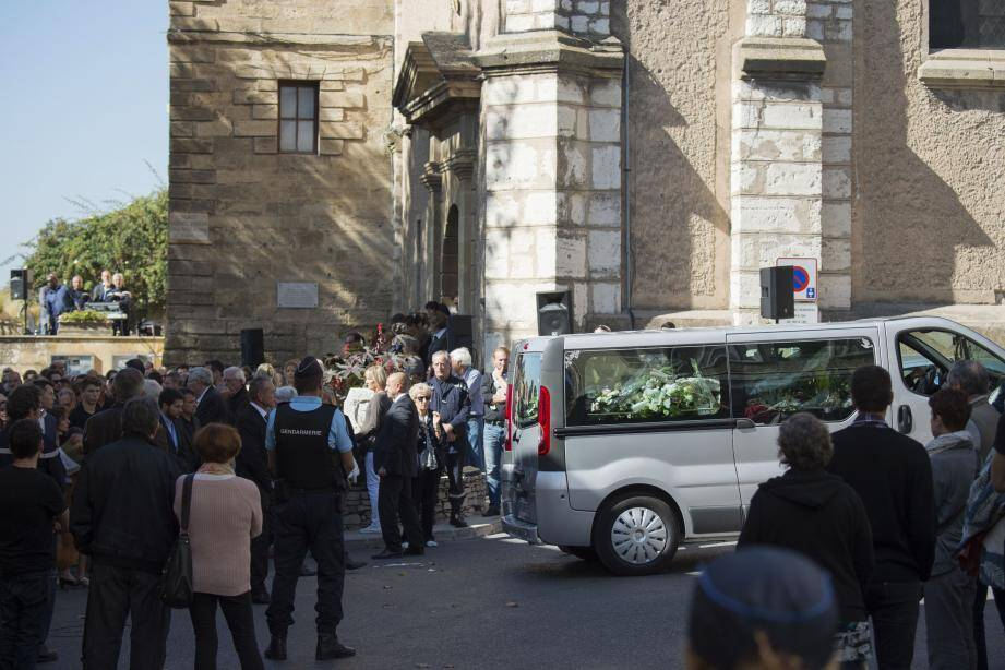 Les deux jeunes filles de 20 et 21 ans, cousines, ont été tuées dimanche sur le parvis de la gare Saint-Charles.