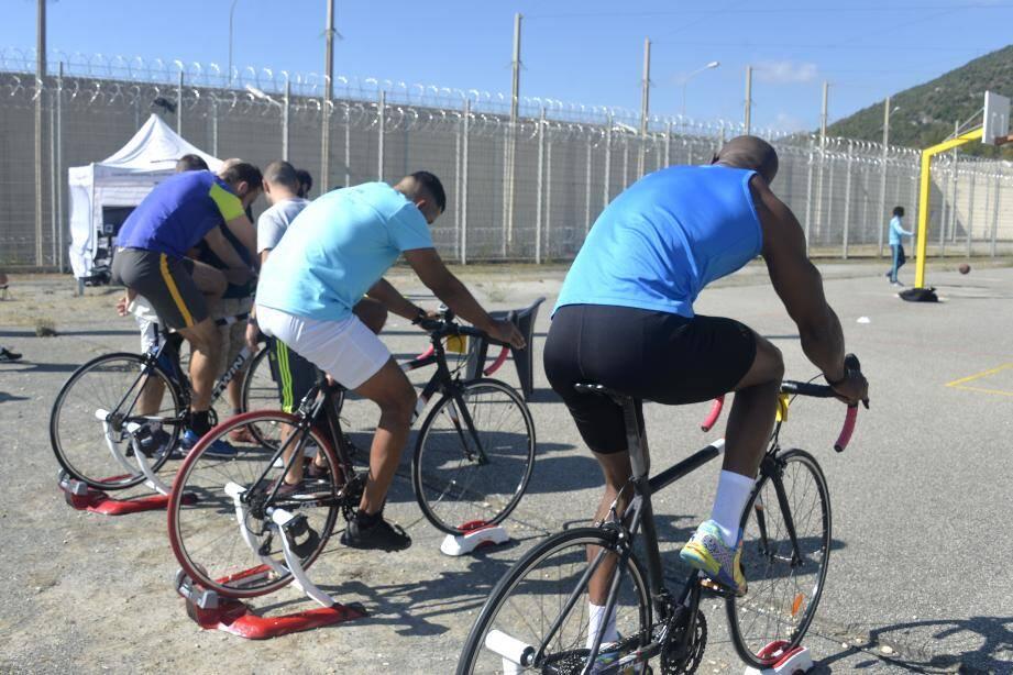 Les détenus participent à différentes épreuves.