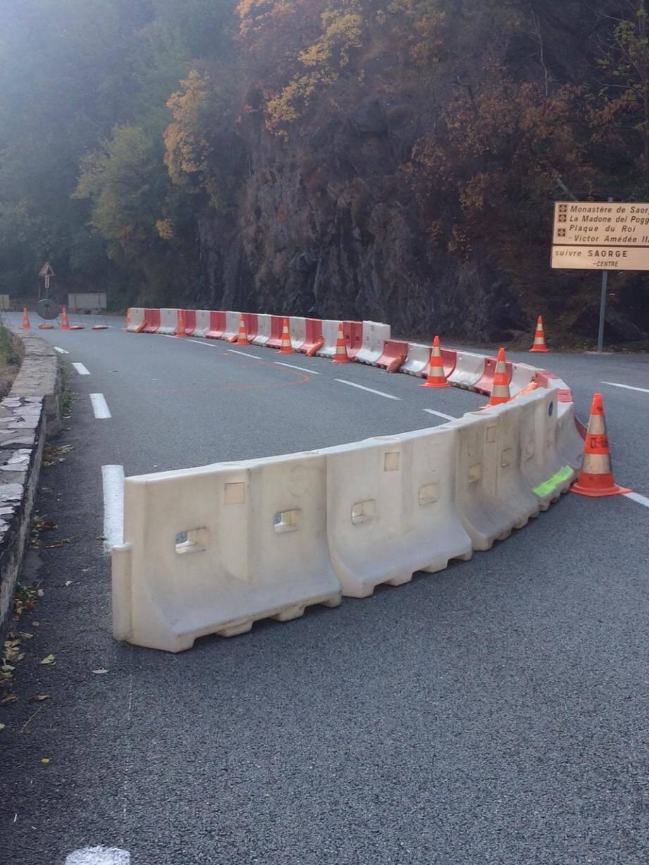 À cet endroit, en dessous du viaduc de Scarassoui, la circulation se fait désormais sur une voie et en alterné avec des feux tricolores. (DR)