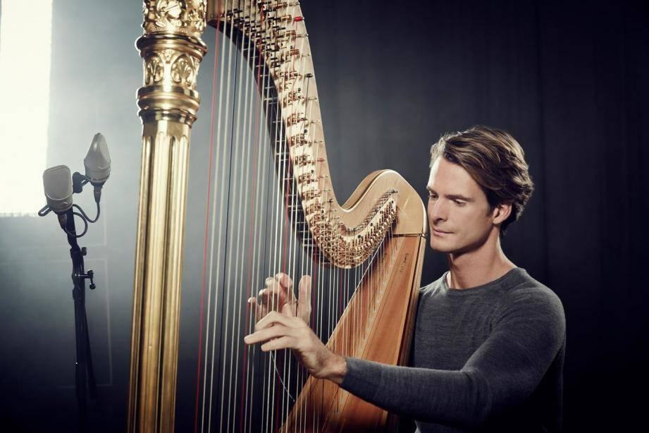Le harpiste à l'imposant CV se produira à quatre reprises cette saison, dont une fois en tant que musicien et chef d'orchestre.