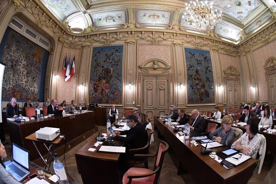 La convention validée en conseil municipal concerne une zone de 1,5 hectare située juste en face de l'eglise Jeanne d'Arc, sur la route de Sospel.