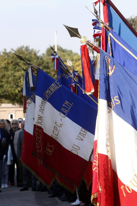 Conséquence du vieillissement des anciens combattants : les porte-drapeaux sont moins nombreux aux cérémonies patriotiques organisées dans le Var.