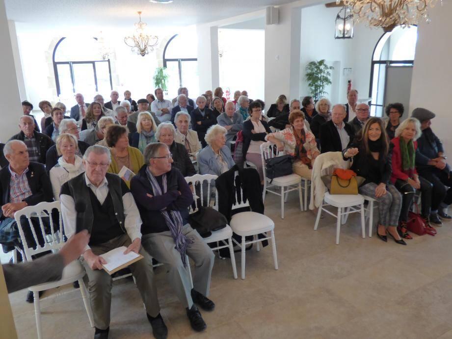 Une cinquantaine de personnes étaient réunies hier matin à Château Maïme.