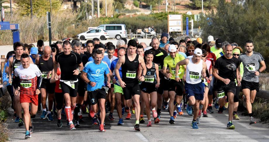 Une grosse centaine de coureurs a pris le départ de cette course organisée en faveur des personnes polyhandicapés.