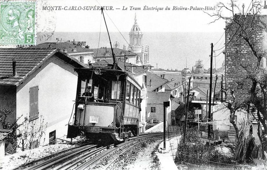 De 1903 à 1914, un tramway électrique desservait aussi le Riviera Palace.