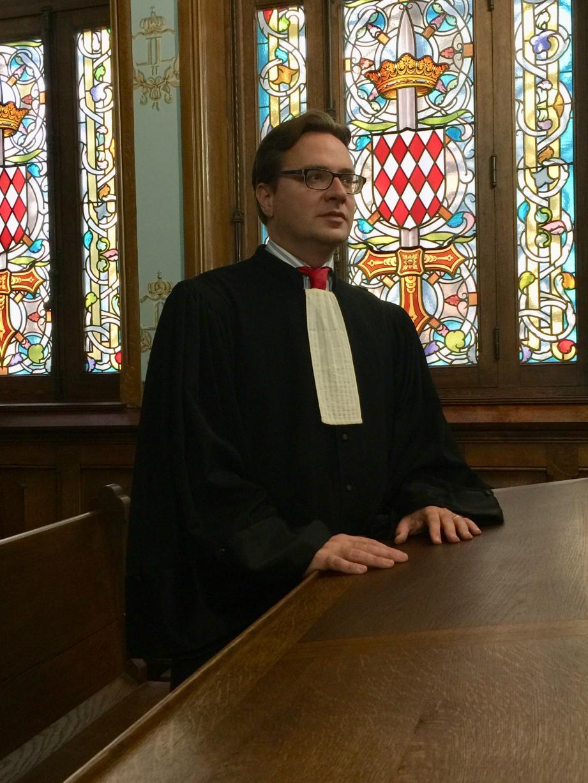 Me Régis Bergonzi, après avoir porté l'affaire devant la cour de révision et la cour européenne des droits de l'homme a obtenu la relaxe de son client à l'audience.