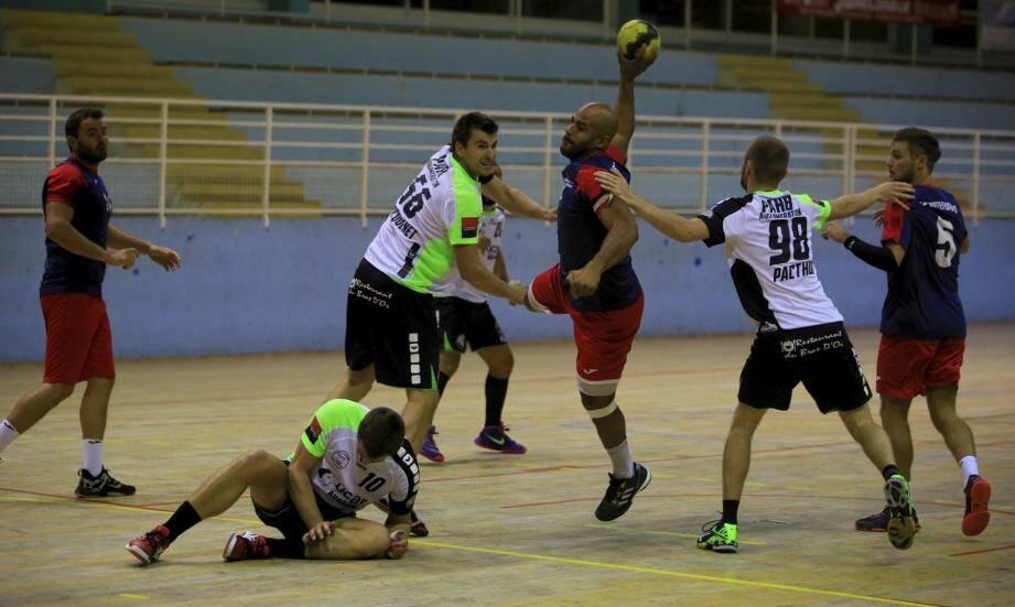 Jonathan Trédici et les Seynois ont dû s'employer pour battre le Cauz samedi à Baquet.