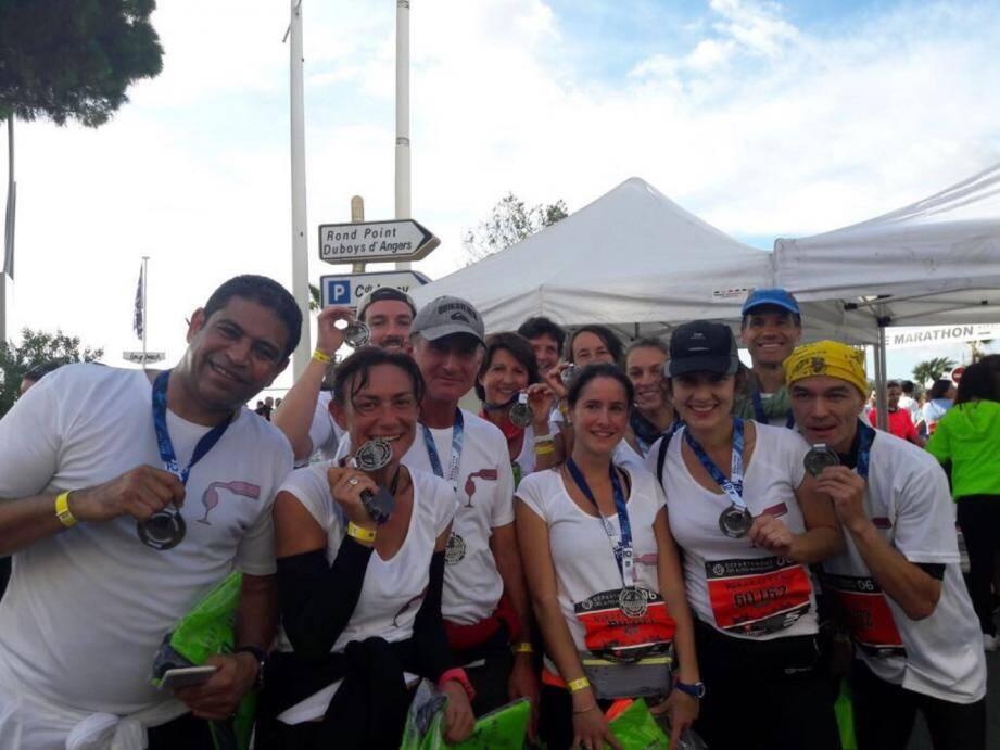 14 coureurs et une vingtaine de supporters de Payan et Bertrand étaient présents dimanche, à Cannes.(DR)