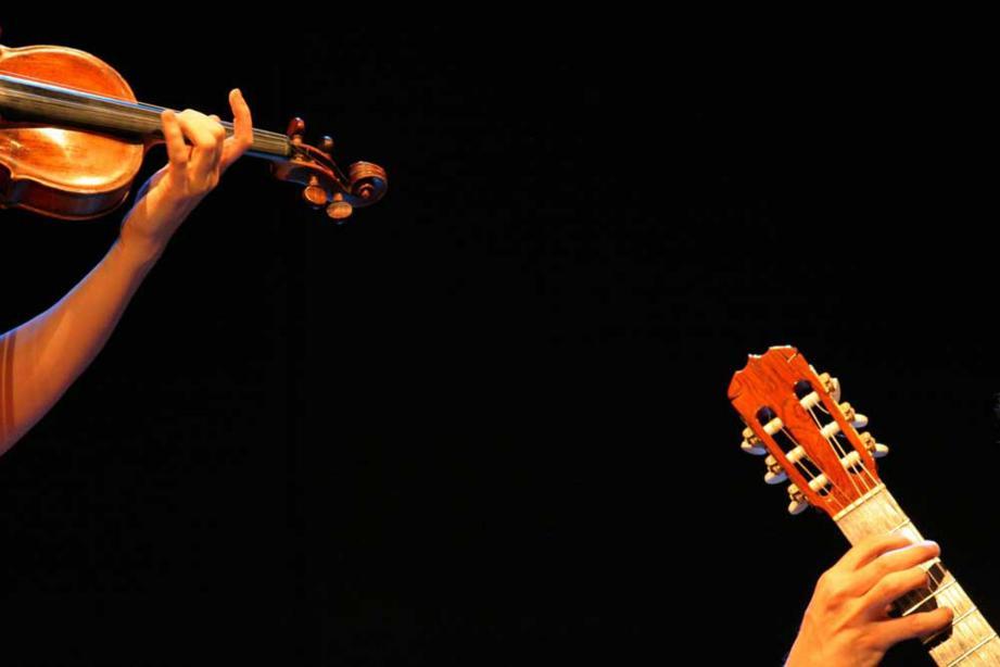 Violon et guitare au programme ce dimanche.  (DR)