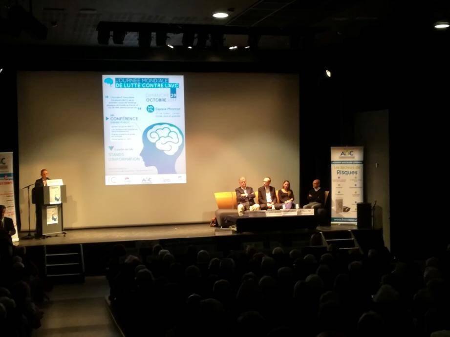 380 personnes sont venues assister aux conférences données à l'espace Miramar à l'occasion de la journée mondiale de lutte contre l'AVC.