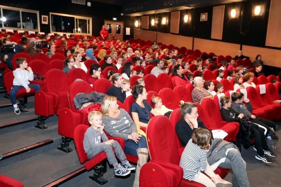 Les trois coups de la Semaine des droits de l'enfant ont été donnés, hier après-midi au théâtre Francis-Gag avec la pièce Azerty et les mots perdus qui a conquis petits et grands.