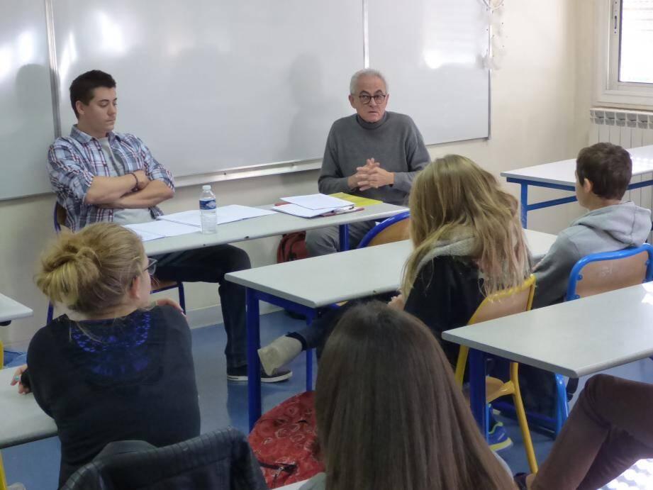 L'intervention sur la tolérance de Voltaire à Charb auprès des élèves de 4ème d'Ingrid Clément, Véronique Hernandez et Sophie Ghigo.
