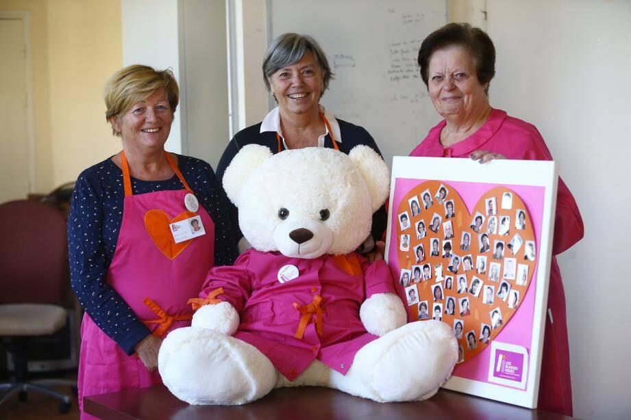 Max le maxi-ours et Les Blouses Roses ont besoin de nouveaux bénévoles : contactez-les !
