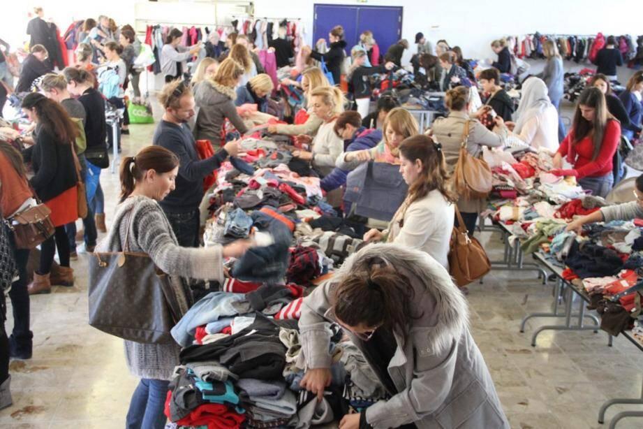 La bourse organisée par Les Petits Boucans est ouverte jusqu'à dimanche soir.