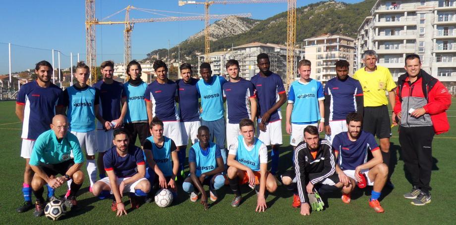 Maillots mêlés, les équipes du CFA BTP de Marseille et du campus de Saint-Maximin.