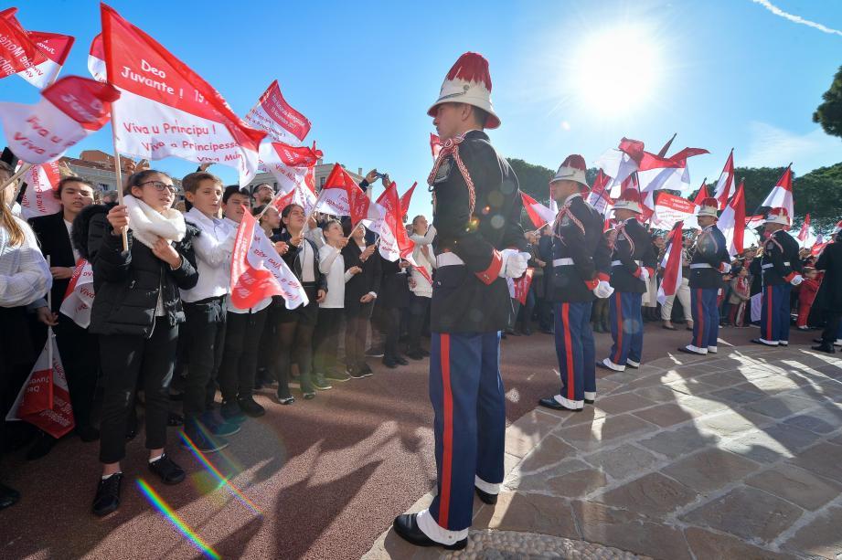 Moment de liesse et d'unité : la Fête nationale est aussi l'occasion d'arborer ses plus beaux atours rouges et blancs !