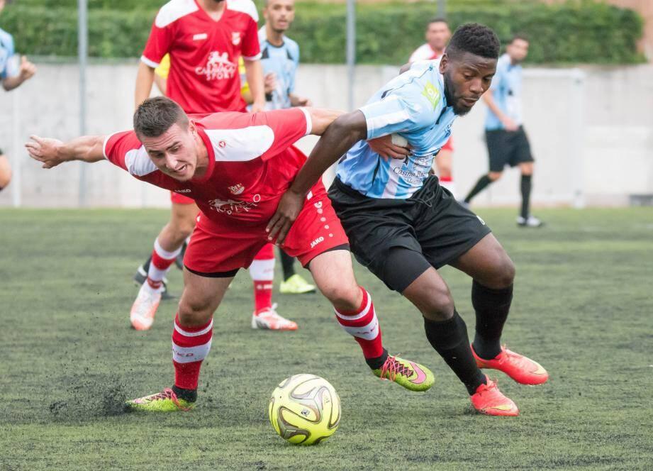 Ngando a parachevé le score pour les Mentonnais.