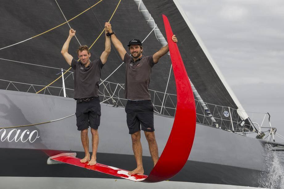 Boris Herrmann et Thomas Ruyant, très contents de leur course à l'arrivée au Brésil.
