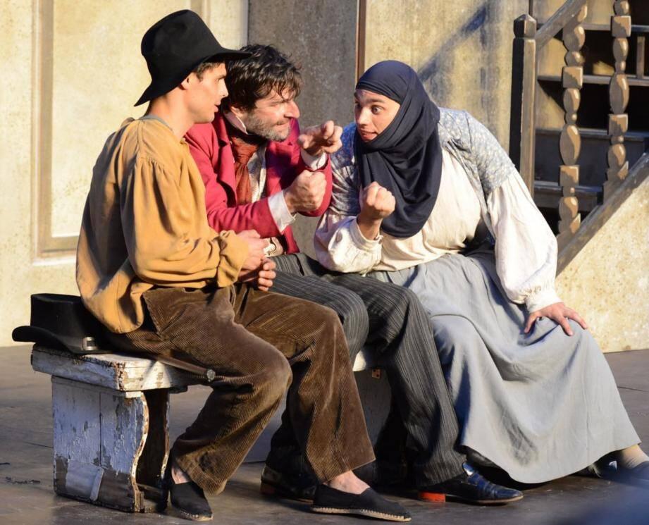 « L'école des femmes » de Molière a été jouée pour la première fois au théâtre du Palais Royal à Paris en 1662.