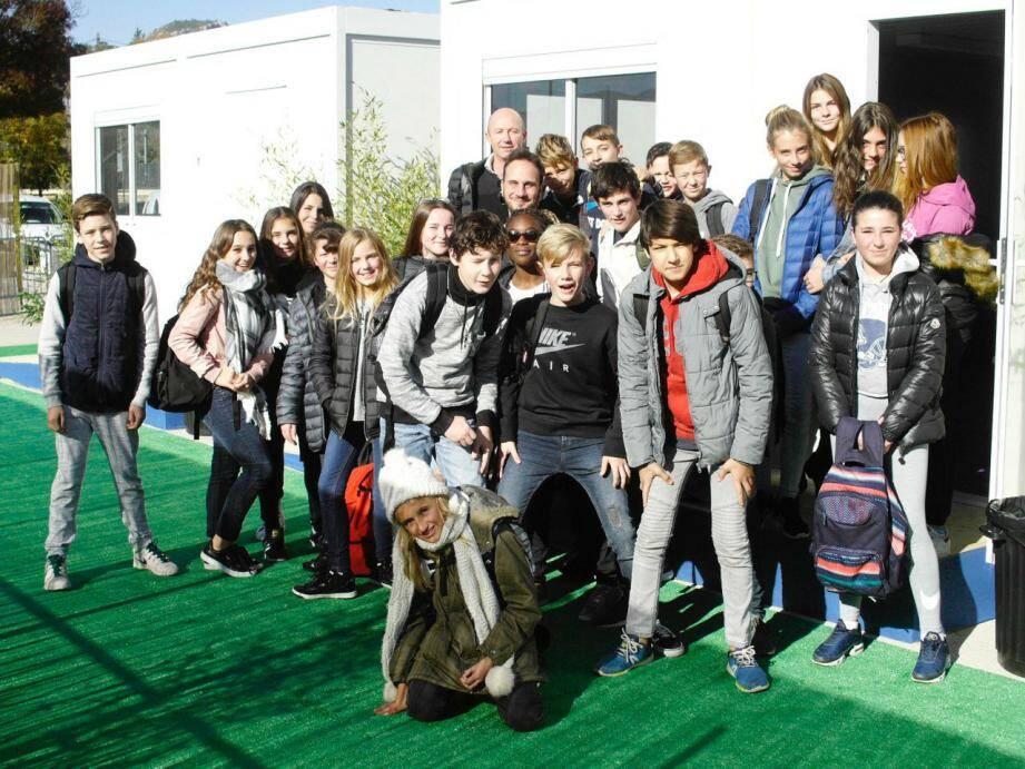 Un groupe a rencontré l'écrivain Stéphane Servant à Aubagne.