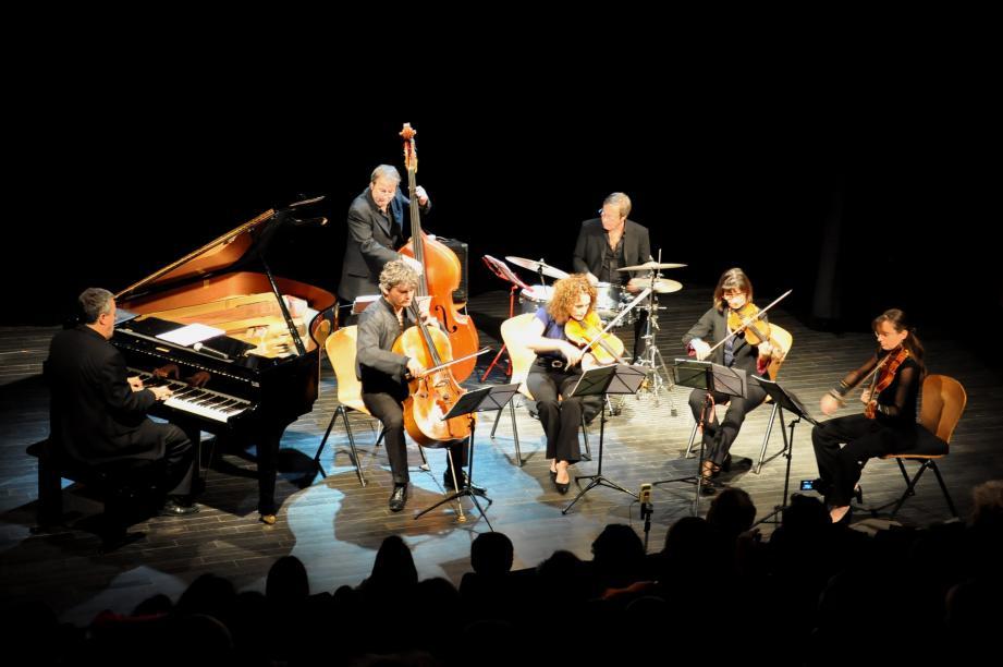 Le trio Duchemin et le quatuor Puccini, de l'orchestre de chambre de Toulon Var, réunis pour le meilleur de la musique.