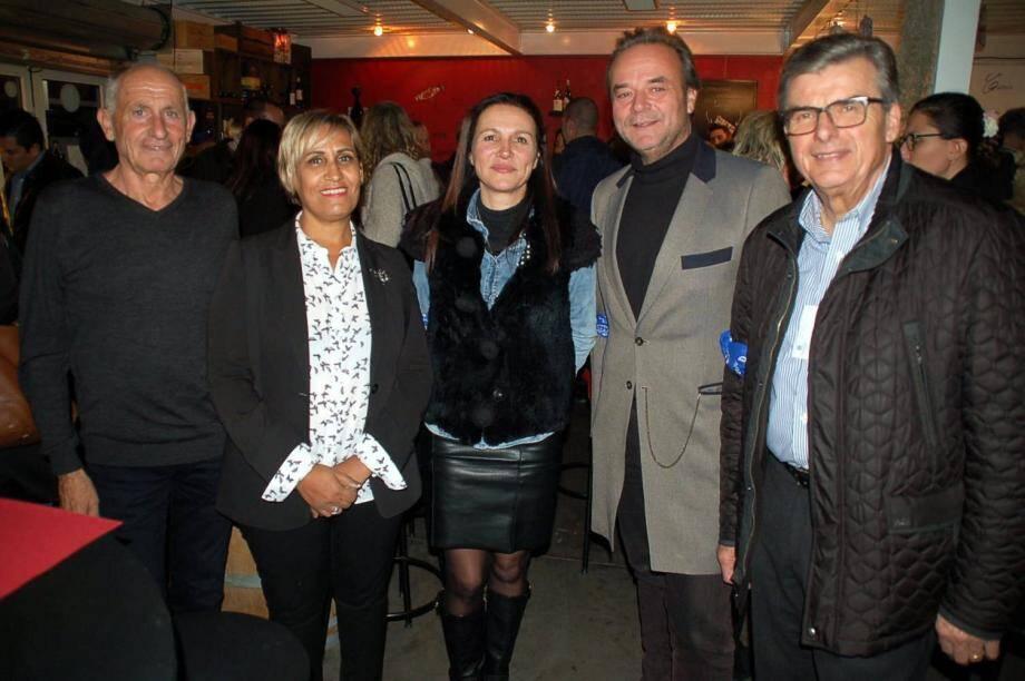 L'Afterwork, une rencontre informelle entre professionnels d'horizons divers… Ici, de gauche à droite, Gérard Calussi, Rachida Amar, Rose Hérard, Pascal Queslin et Patrice Esquoy.