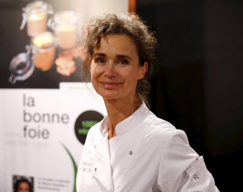La comédienne dévoile sa passion et ses recettes pour la cuisine crue à l'occasion du salon.