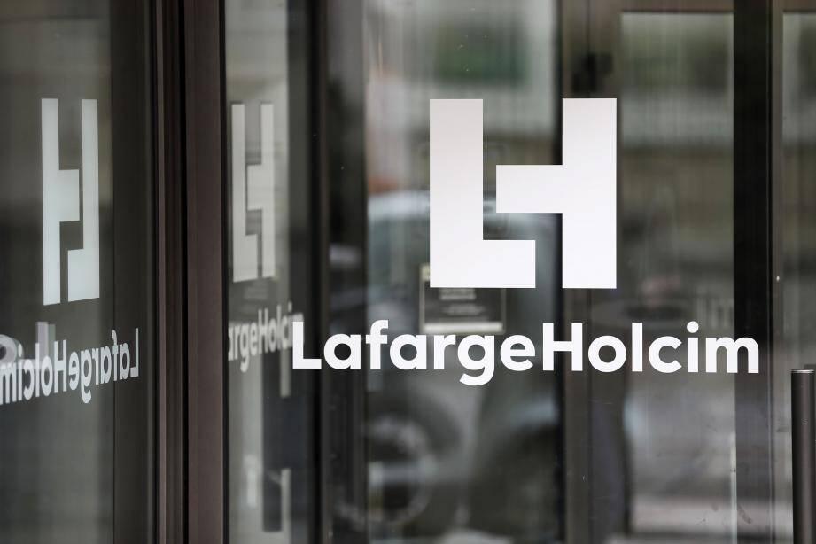 Perquisition au siège de Lafarge Holcim